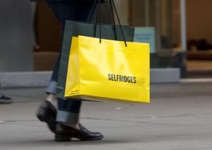 Shoppers in London, Britain - 20 Jan 2012